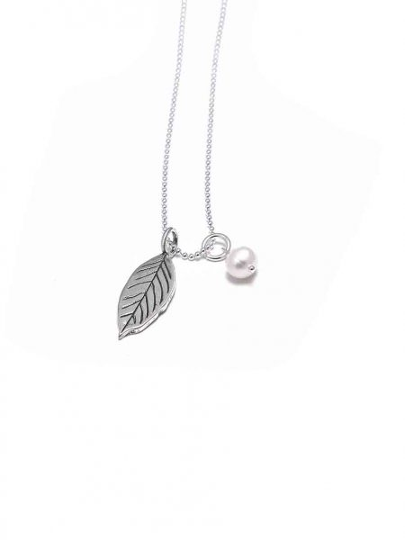 A new leaf signifying a new chapter in your life. Get that year hand stamped on this sterling silver leaf. Perfect gift for all