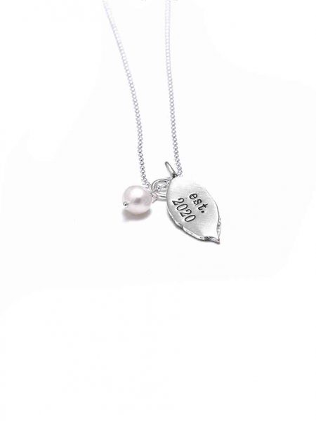 Hand-molded leaf made with fine silver, hand stamped with the year of some achievement. Perfect gift new mom, graduating daughter