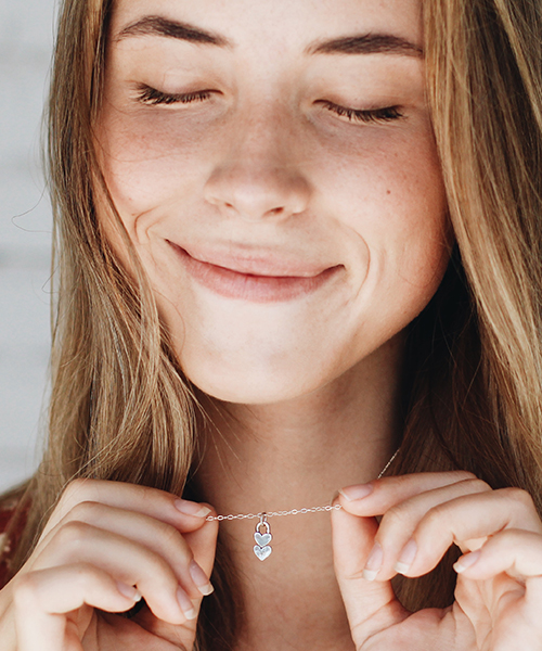 little-bits-of-my-heart-necklace-model-2