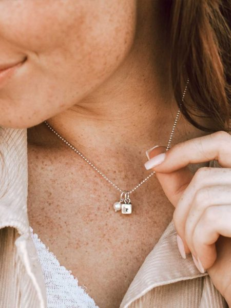 Personalized initial necklace for mom, grandma, wife