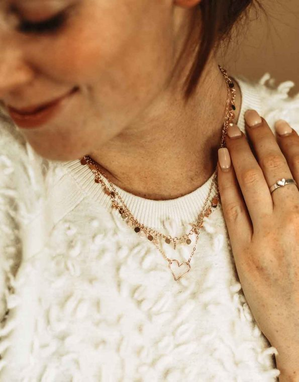 my-heart-is-open-rose-gold-necklace-model-3