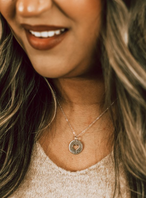 my-heart-silver-name-necklace-model