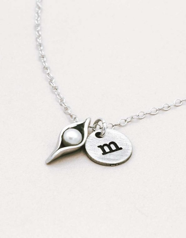 one-pea-in-a-pod-necklace-charms