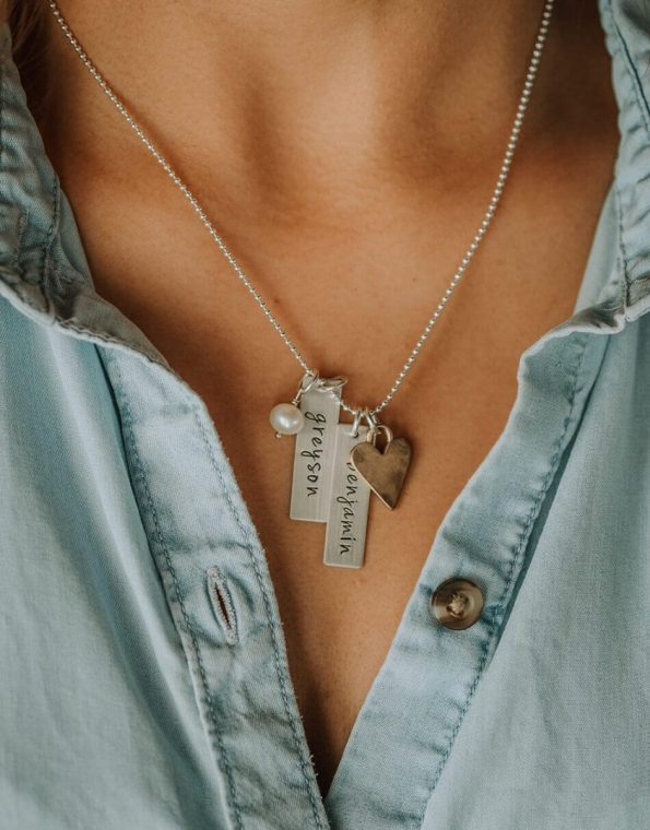 rectangle-names-necklace-heart-charm-model