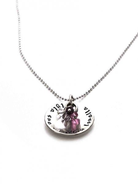 Sterling silver disc hand stamped with names. Hang up to 5 small Swarovski birthstones in the center. Perfect gift for mom, grandma